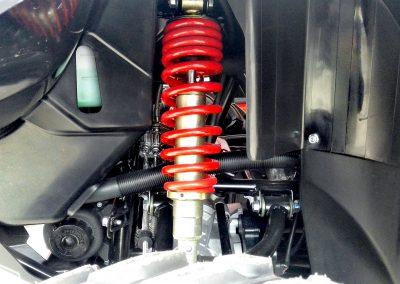 Fahrwerk-ATV-Stoßdämpfer-rot